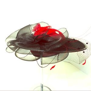 Vintage wool felt hat with netting & feathers